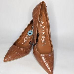 Calvin Klein camel leather heels NWOT size 6